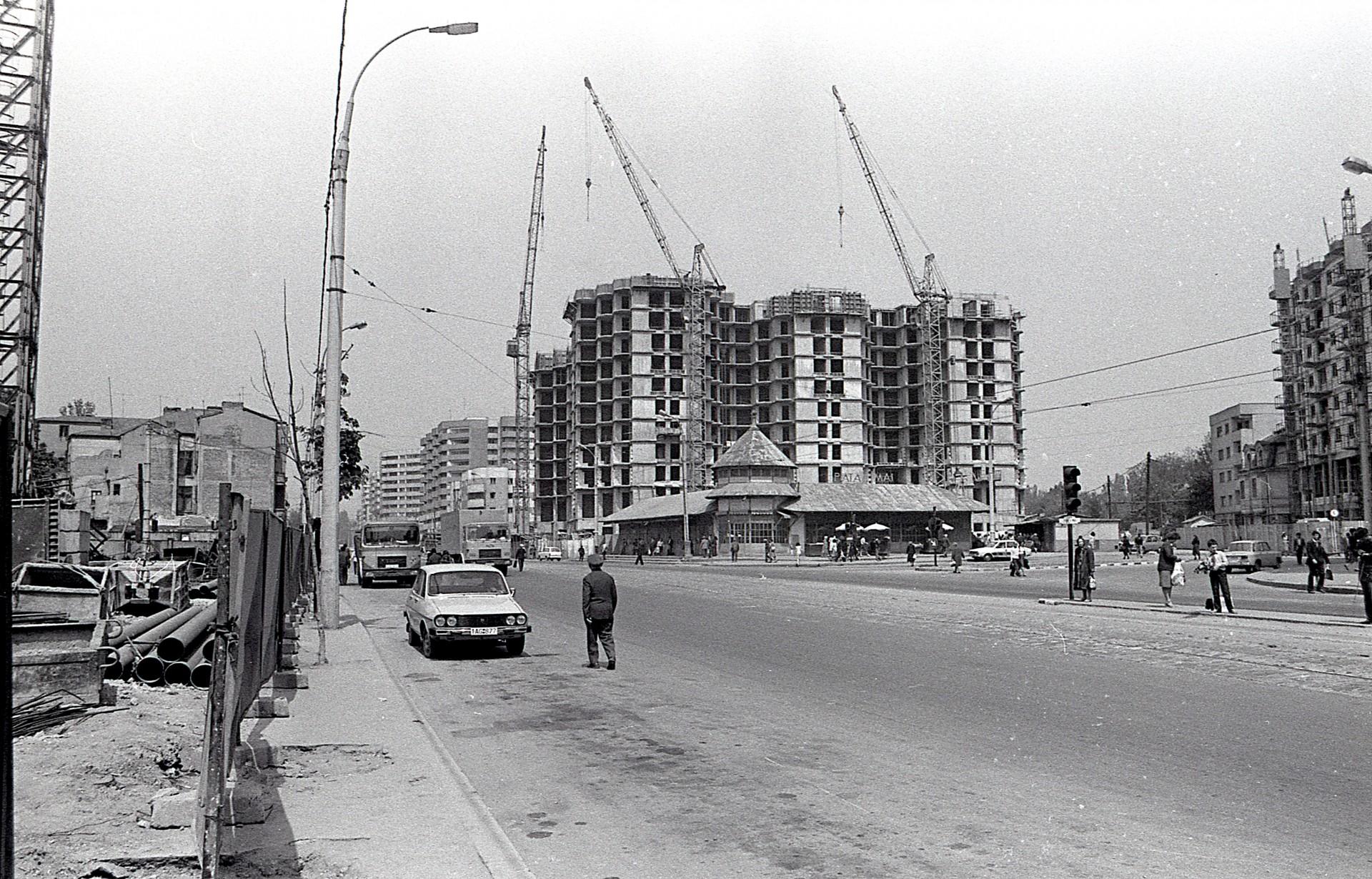 Piata 1 Mai Si Blocul 40 In Constructie Bulevardul Ion Mihalache