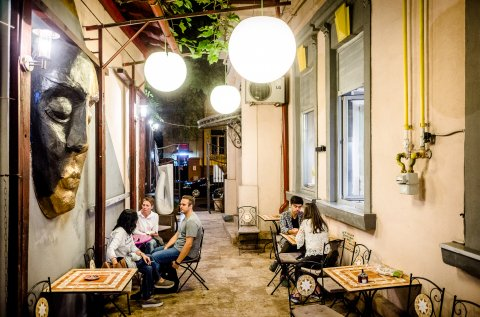 Bucharest Photo Week - Gallery - Strada Leonida